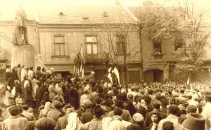 Saujhely Kossuth ter 1956_sepia